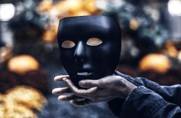 7 Warning Signs You're Dealing With A Sociopath